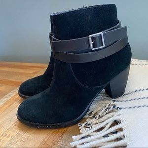 Steve Madden Morrgan Strappy Black Suede Booties